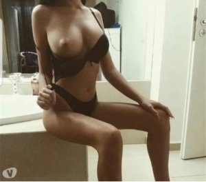 Roeya african escorts in Mount Vernon, VA